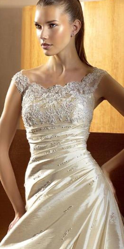 371d3ec3c2f Svatební salon Svatava - Svatební šaty - Svatební šaty