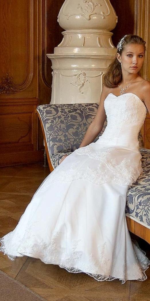 609be373278 Svatební salón Svatava - Svatební šaty